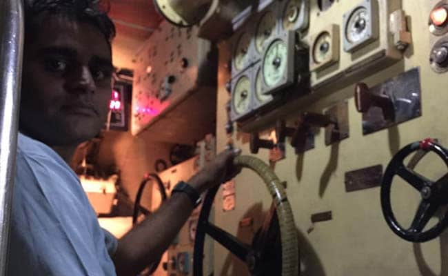 engine controls of ins sindhukirti