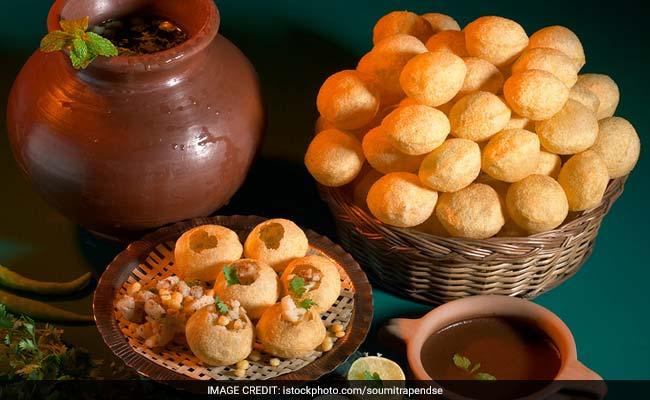 Street Food: 9 Spots Every Gol Gappa Lover MUST Try In Delhi