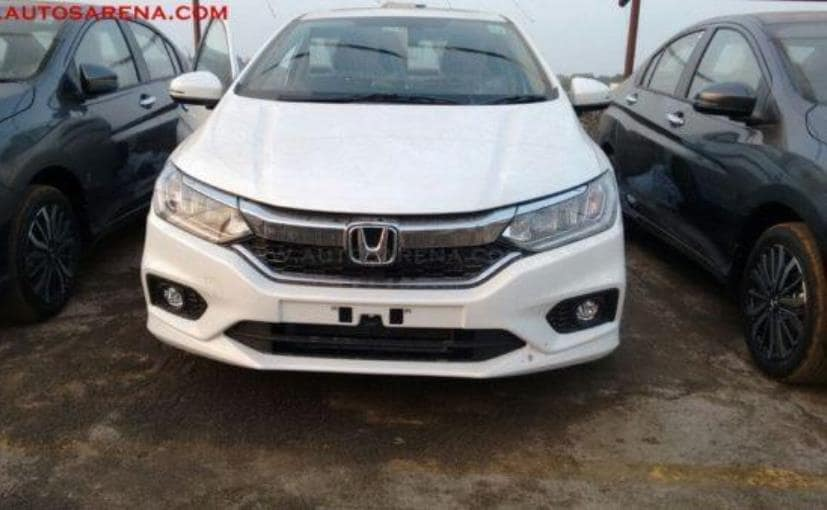 2017 Honda City Facelift Top-End Variant Spotted At Dealership Yard In India