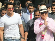 Sonu Sood Welcomes <i>Kung Fu Yoga</i> Co-Star Jackie Chan To India In Style