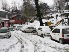 Efforts On To Clear Jammu-Srinagar Highway, Blocked By Heavy Snow