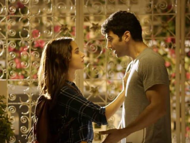 OK Jaanu Song Kaara Fankaara: Aditya, Shraddha Are Simply Inseparable