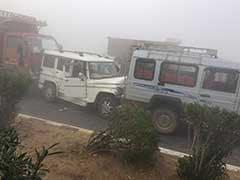 कोहरे का कहर: जयपुर-आगरा हाईवे पर करीब 35 गाड़ियां आपस में भिड़ीं, एक की मौत, 45 घायल