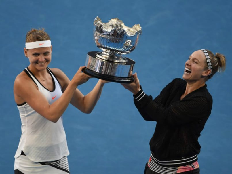 Australian Open: Lucie Safarova, Bethanie Mattek-Sands Clinch Women