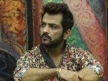 <I>Bigg Boss 10</i>: Manu Punjabi Quits Show For Rs 10 Lakhs?