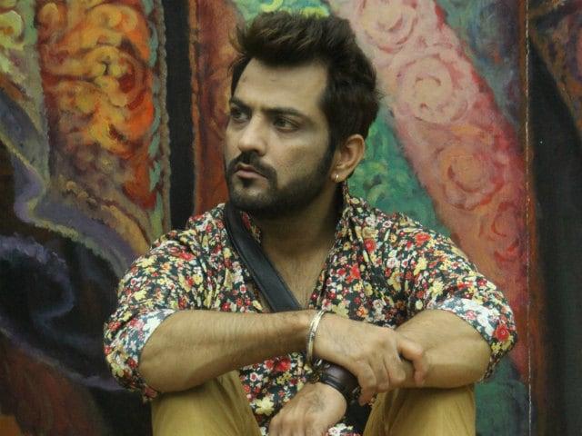 Bigg Boss 10: Manu Punjabi Quits Show For Rs 10 Lakhs?