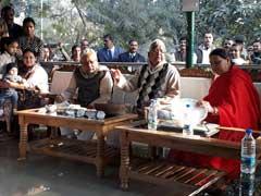 नीतीश कुमार के 'दही-चूड़ा' से खुद को दूर रखेगी कांग्रेस, बीजेपी को निमंत्रित करने से नाराज