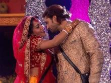 <i>Bigg Boss 10</i>, January 18, Written Update: Monalisa And Vikrant Are Mr And Mrs