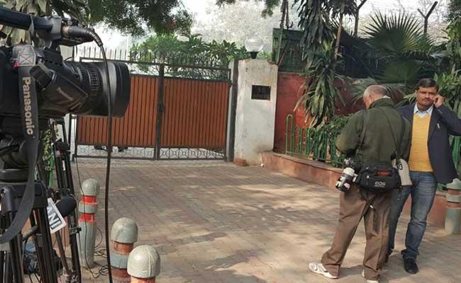 लखनऊ : पूर्व सीएम मुलायम सिंह यादव ने सरकारी बंगला छोड़ा