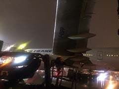 Pak Airlines Plane Hits Air France Jet At Toronto Airport