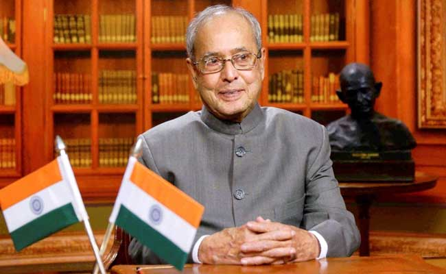 President Pranab Mukherjee And Party Leaders Wish People On Holi