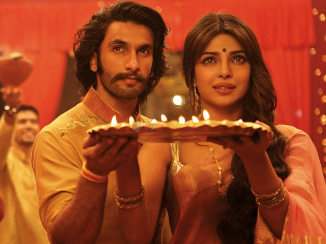 Why Priyanka Chopra Thinks Folks 'Like' Her Jodi With Ranveer Singh