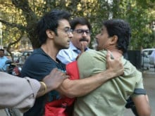 Angry Pulkit Samrat Attacks Photographer Outside Divorce Court. Pics Go Viral