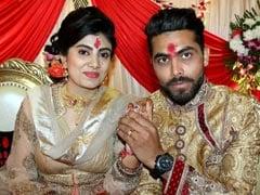 क्रिकेटर रवींद्र जडेजा की ऑडी से छात्रा की टक्कर, पत्नी के साथ खुद लेकर गए अस्पताल