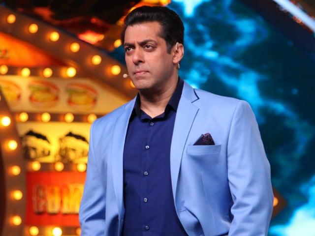 Bigg Boss 10, January 14: Salman Khan Asks Bani And Lopa To Hug Each Other