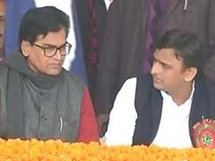 योगी सरकार में दो उपमुख्यमंत्री बनाये जाने पर समादवादी पार्टी ने उठाये सवाल