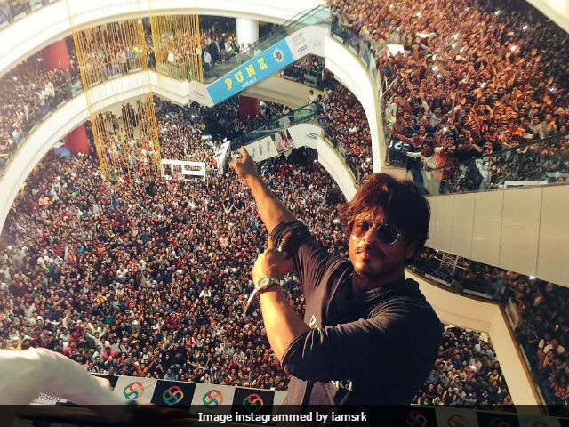 Shah Rukh Khan 'Not Keen On Joining Politics.' Here's Why