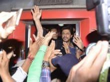 Highlights: Shah Rukh Khan Is In Delhi For <i>Raees</i>. Can't. Keep. Calm