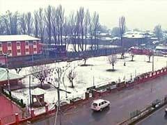 जम्मू-कश्मीर में बर्फबारी, अगले कुछ दिनों तक बारिश और बर्फ गिरना जारी रहेगा