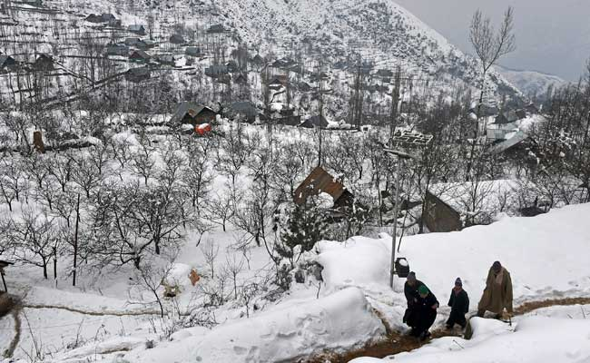 Kashmir Shivers In Cold, Leh Records Minus 8.7 Temperature