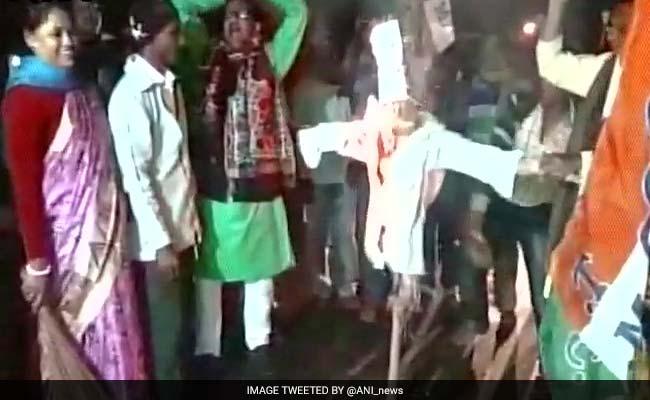 कोलकाता में बंगाल बीजेपी लीडर के घर पर बम से हमला, आरोप तृणमूल कार्यकर्ताओं पर