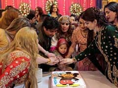 Transgenders In Pakistan Celebrate First 'Birthday' Party In Years
