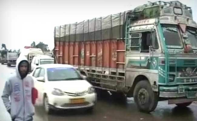 Traffic Suspended On Jammu-Srinagar National Highway After Heavy Rain