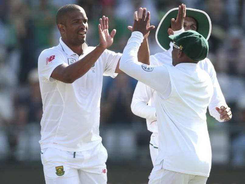 South Africa vs Sri Lanka, 2nd Test: Vernon Philander Strikes Early