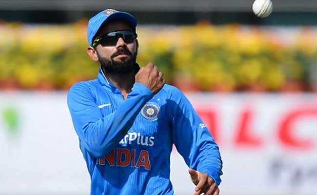 चैंपियंस ट्रॉफी : इंग्लैंड पहुंचकर भी फैंस से जुड़े हुए हैं टीम इंडिया के खिलाड़ी..