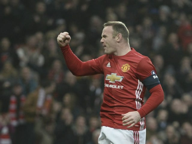 Wayne Rooney Announces He Is Staying At Manchester United