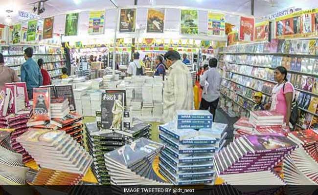 पटना के गांधी मैदान में सजी 'किताबों की दुनिया', उमड़ेगी पुस्तक प्रेमियों की भीड़
