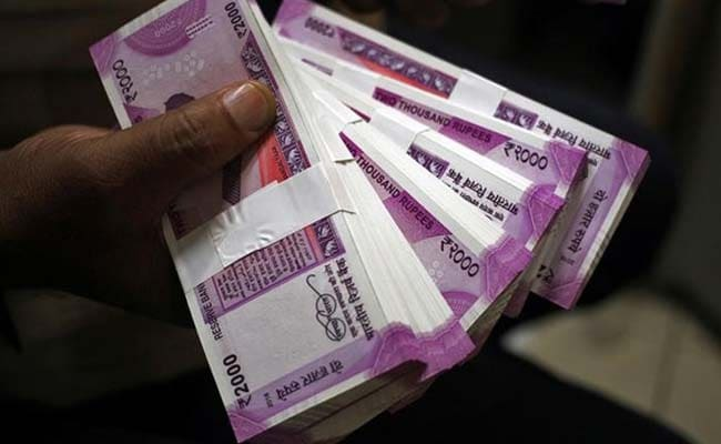 11 Of 17 Security Features Of Rs 2,000 Note Cracked. Centre Draws A Plan