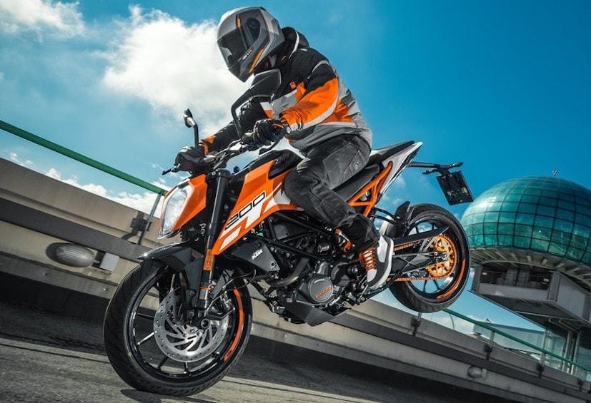 2017 ktm 390 duke and 200 duke launch date officially announced