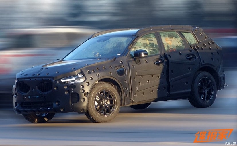 2018 volvo xc60 spy shots. 2017 volvo xc60 interior leaked in new spy shots 2018 xc60
