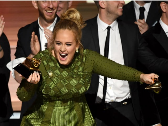 Grammys: Adele Snaps Trophy In Half To Share With Beyonce, Says 'Can't Accept This'