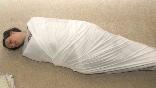 Tokyo's New Health Craze: What is Adult Swaddling Therapy?