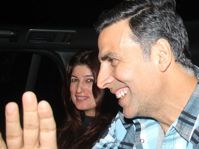 Akshay Kumar-Twinkle Khanna And Hrithik Roshan-Sussanne Had A Jolly Good Sunday