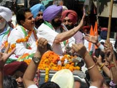 Punjab Elections 2017: Amarinder Singh Holds Door-To-Door Campaigning In Lambi