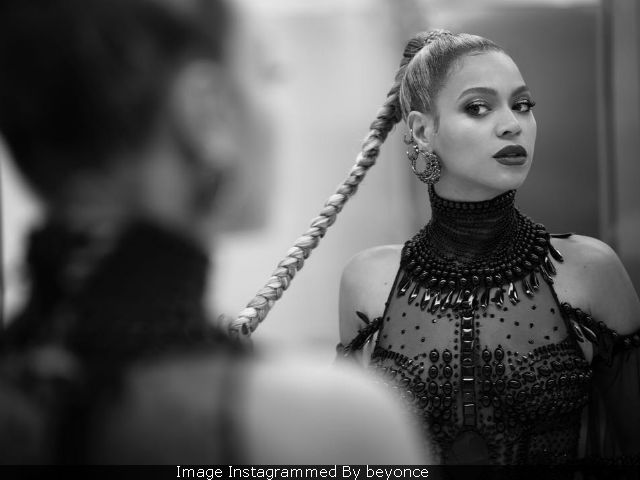 Beyonce Is Pregnant With Twins, She Announces Via Instagram