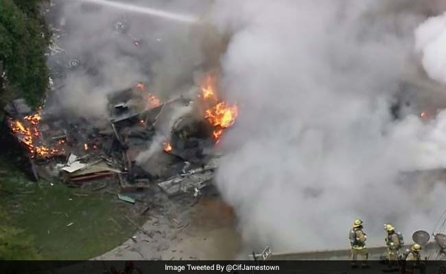 1 Dead, 4 Injured After Plane Crashes Into California Home