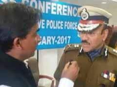 सेना प्रमुख से जुदा सीआरपीएफ डीजी की राय, कहा - कश्मीर में पैलेट गन के साथ लोगों के दिल जीतना भी जरूरी