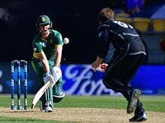 AB de Villiers' record sets up thumping win over New Zealand