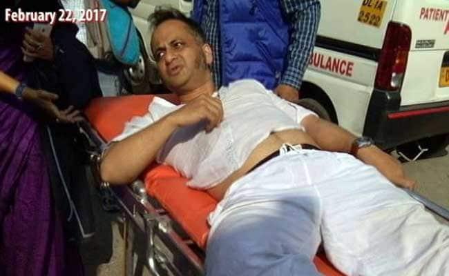 Ramjas College Violence: Delhi University Professor Prasanta Chakravarty Injured Last Week Hospitalised
