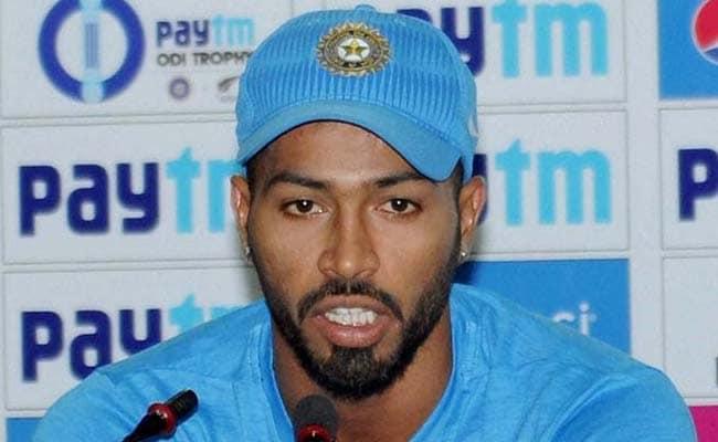 क्या अब धुरंधर नहीं रह गए हैं महेंद्र सिंह धोनी... पांड्या का हो रहा 'हार्दिक' स्वागत?