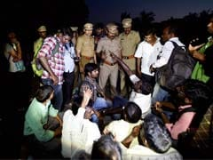 Journalists Manhandled As Resort For AIADMK Lawmakers Turns Into Fortress