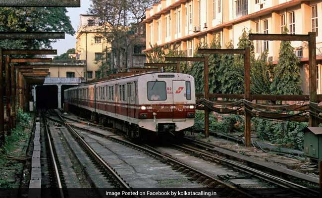 Sparks In Third Rail Disrupt Kolkata Metro Services