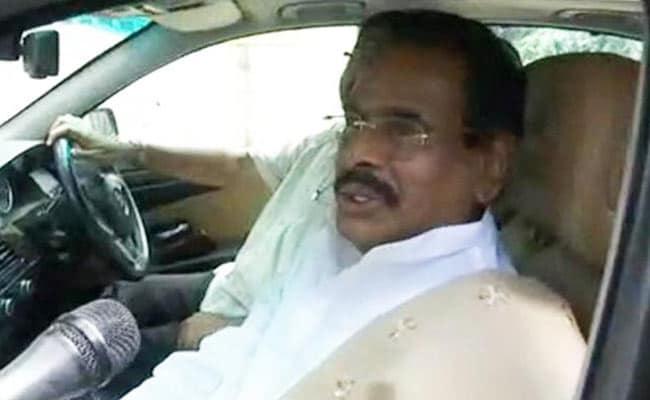 एआईएडीएमके की नेता वीके शशिकला के पति नटराजन मुरुथप्पा का निधन