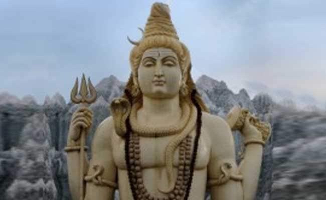 सोमवार को ऐसे करें भगवान शिव की पूजा, मनोकामनाओं की होगी पूर्ति