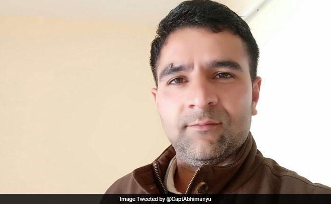 सैनिक की शहादत: कुछ घंटे बाद पत्नी को मिला उनका भेजा शादी की सालगिरह का तोहफा