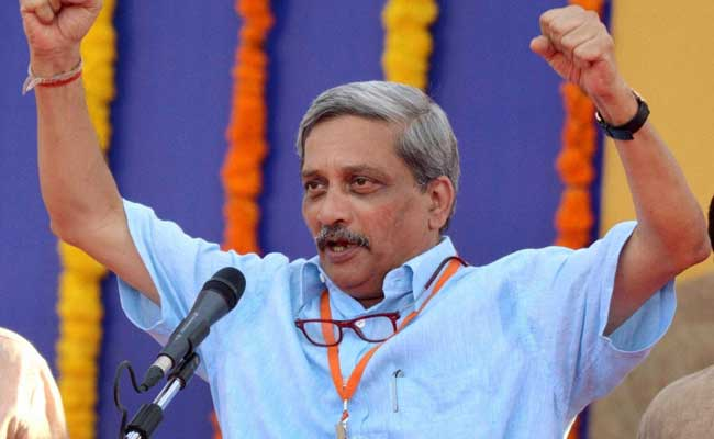 रक्षामंत्री मनोहर पर्रिकर ने कहा - 'पाकिस्तान कर रहा कैमिकल हथियार का प्रयोग'